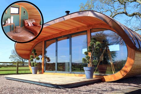 Cuprinol Shed of the Year - rotating shed
