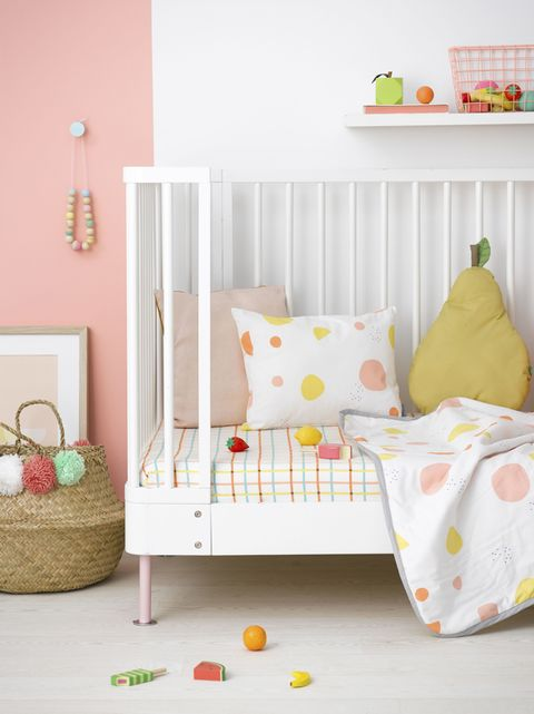 Bedlinen for a toddler's cot