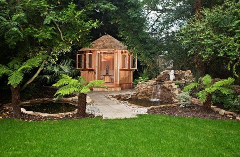 Crown Pavilions bespoke garden room
