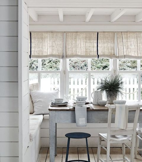 Rustic country-look dining area