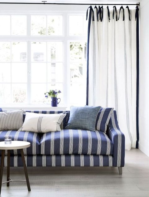Ian Mankin - Blue living room - Sofa in Oxford Stripe Navy