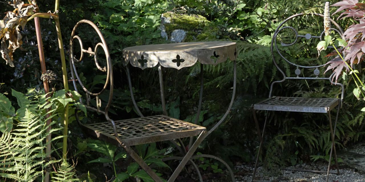 Garden metal furniture Handmade Hotel Bedroom Furniture Sets How To Restore Rusted And Discoloured Metal Garden Furniture