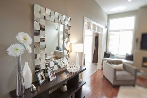 Statement 3D mirror in a living room