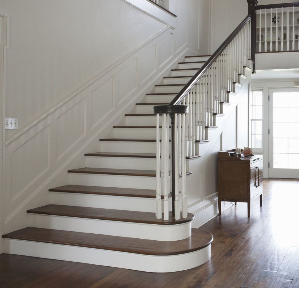 Superbe Entrance, Hall And Staircase Of A Home