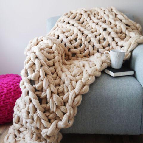 Hb Loves Super Chunky Knit Blankets By Lauren Aston