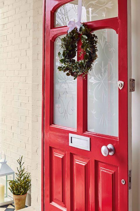 dulux weathershield front door christmas decorating idea   home exterior   red door
