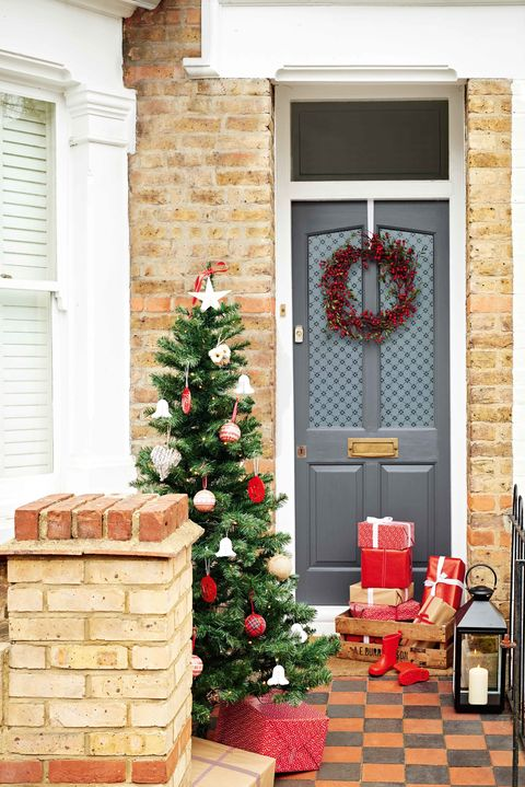 dulux weathershield front door christmas decorating idea home exterior grey door - Front Door Christmas Decorations Ideas