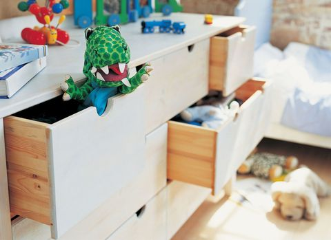 How to declutter your child\'s bedroom