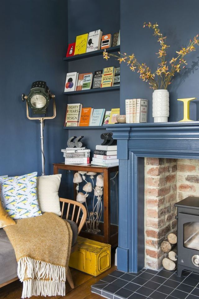 Charmant Retro Blue Living Room Inspired By Books