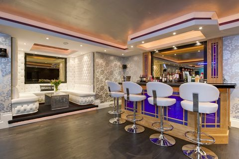 Luxury party houses with hot tubs, bars, dance floors and cinemas