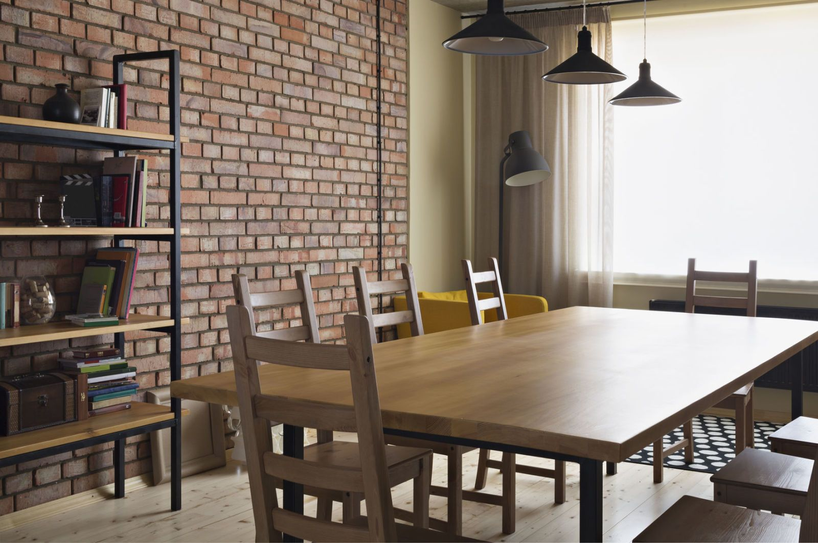 Delicieux Dining Table And Brick Feature Wall