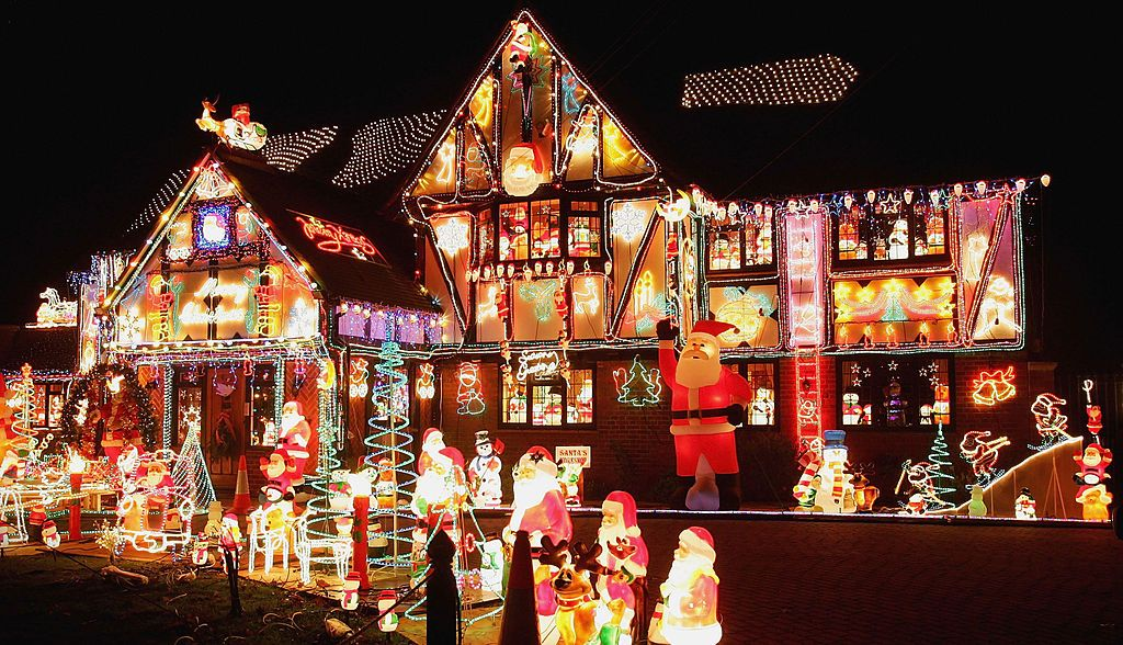the most extravagant christmas house lights from all over the world - Christmas House Decorations