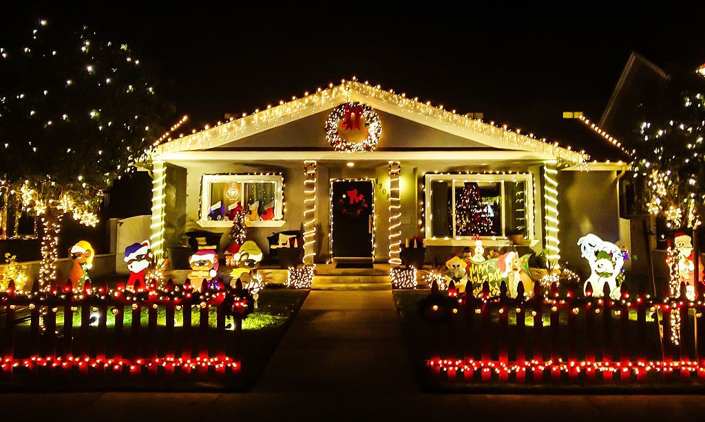 - The Most Extravagant Christmas House Lights From All Over The World