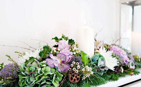 Country chic Christmas centrepiece, Interflora