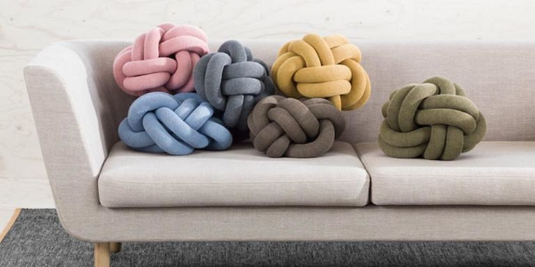 These knot pillows have officially taken over Pinterest