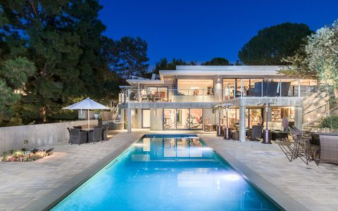 Jane Fonda S Luxury Beverley Hills Home Is On Sale For 163 10 5m