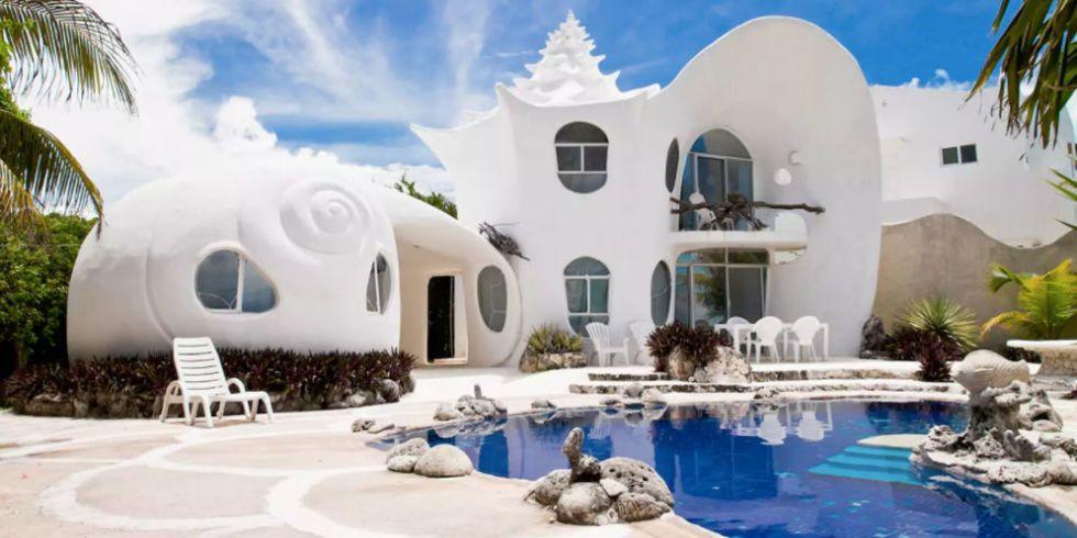 21 extraordinary Airbnb rentals