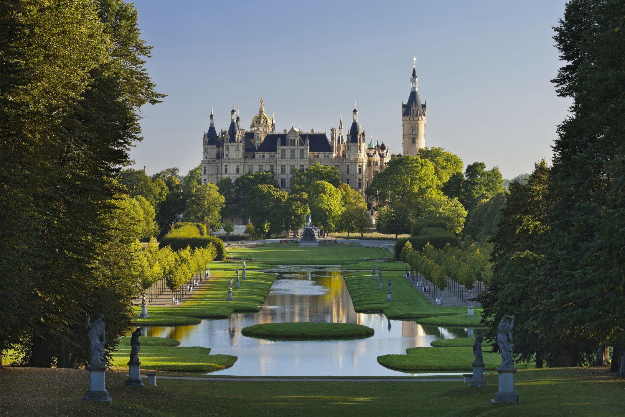 Schwerin castle, Schlossinsel, Schwerin, Innensee, Mecklenburg-Vorpommern, Germany