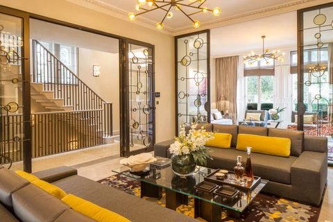 Tregunter Road sitting room, Strutt & Parker