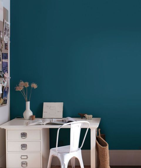 Paint shades: decorating with colour - lifestyle photos