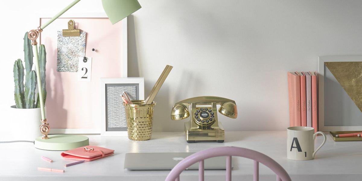 Home office: stylish desk essentials