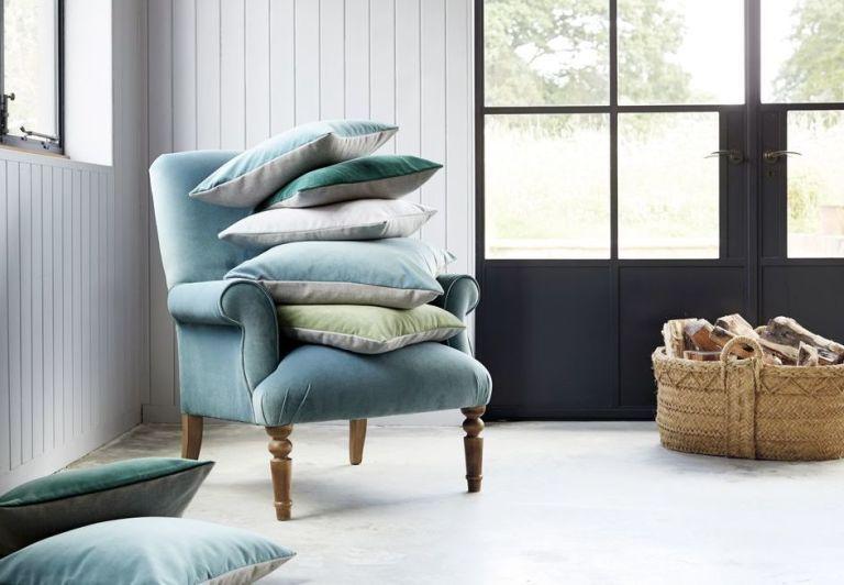 Upholster/reupholster Fabrics