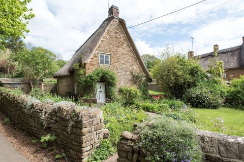 Adze Cottage property - Cotswolds - Savills