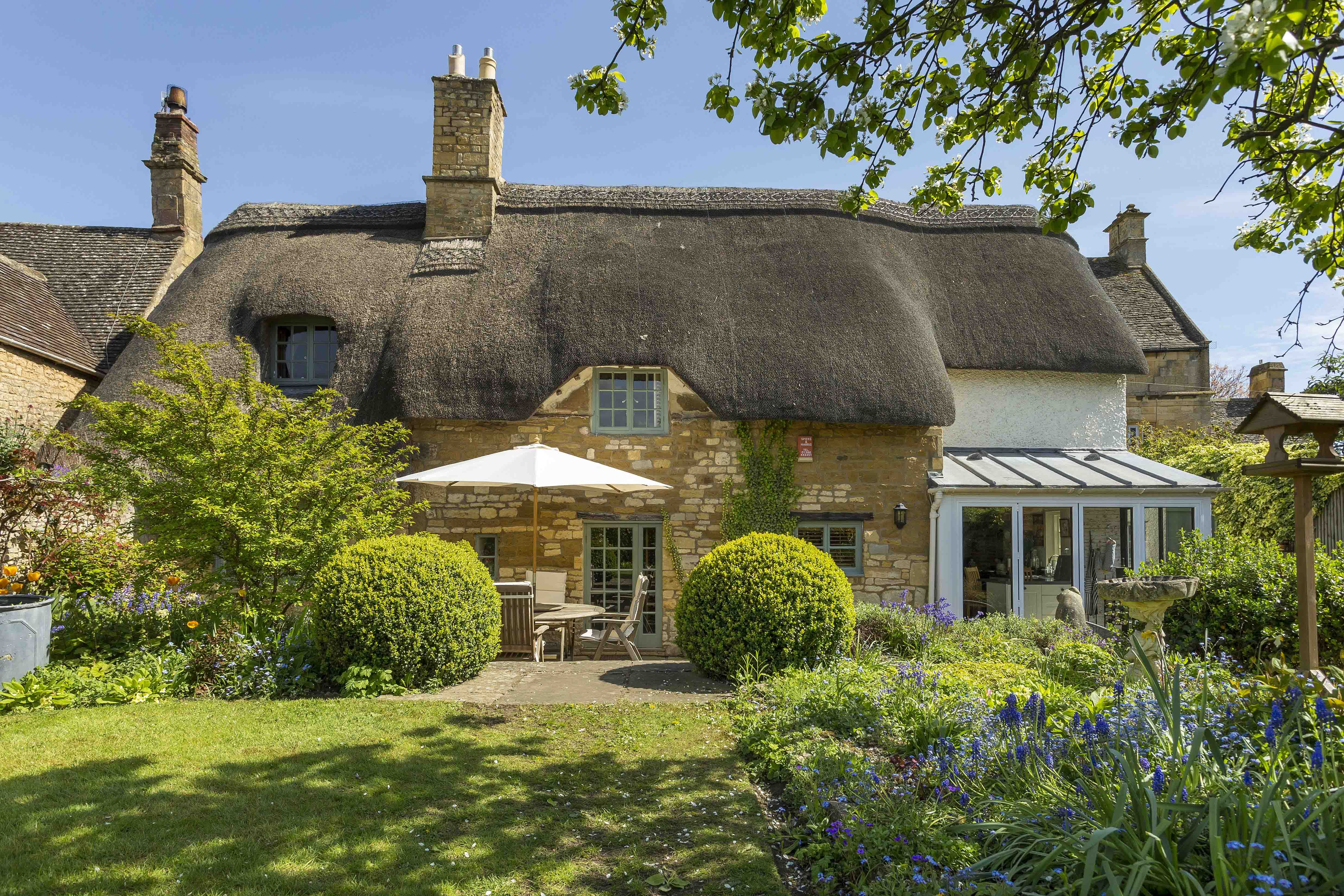 8 Dreamy Cotswold Cottages for Sale - Properties in the