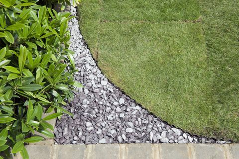 Garden Ideas Using Slate Chippings