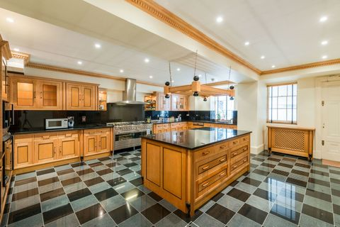 Queen Anne's Gate - kitchen - property for sale - Sandfords