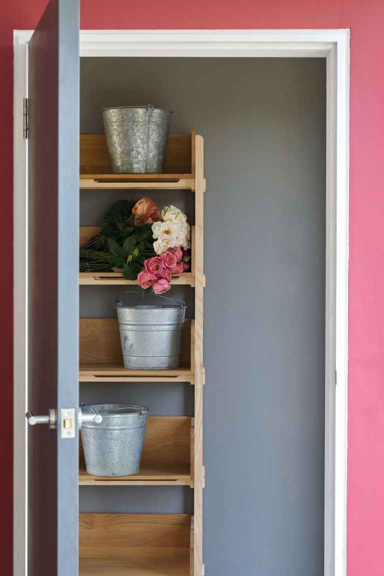 Types of paint primer undercoat gloss emulsion clay and chalk explained for Farrow and ball exterior paint reviews