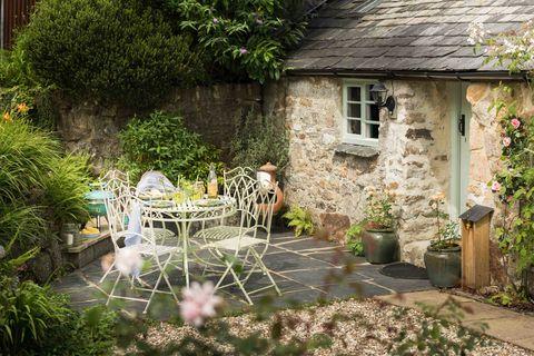 Unique Home Stays poldark country's pixie nook cottage in warleggan, cornwall, is a