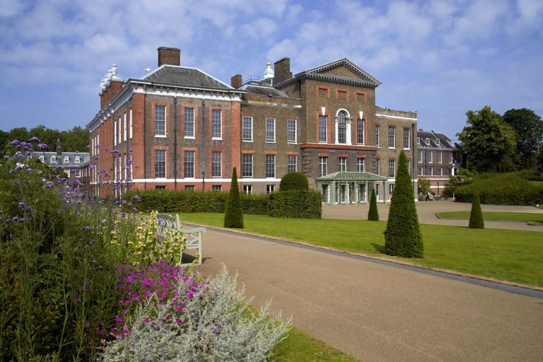 Inside prince harry and meghan markle 39 s royal residence for Nottingham cottage interior