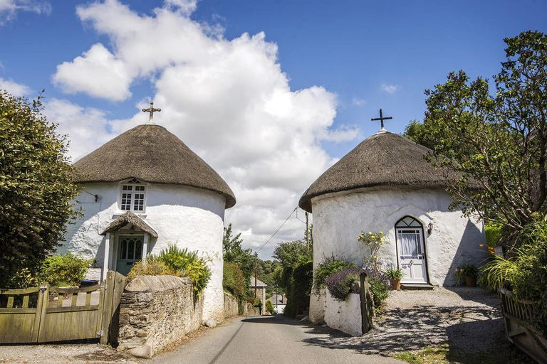 two thatched roundhouses is perfect cornish retreat holiday cottage to rent in cornwall. Black Bedroom Furniture Sets. Home Design Ideas