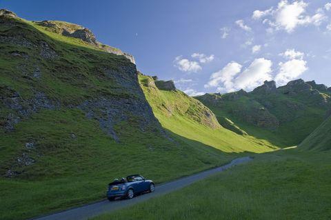 Winnats Pass, Peak District, England, UK