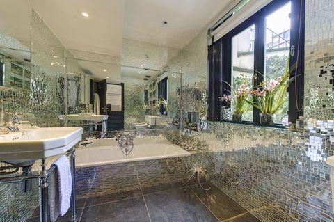 239 Sussex Gardens_Bathroom_1