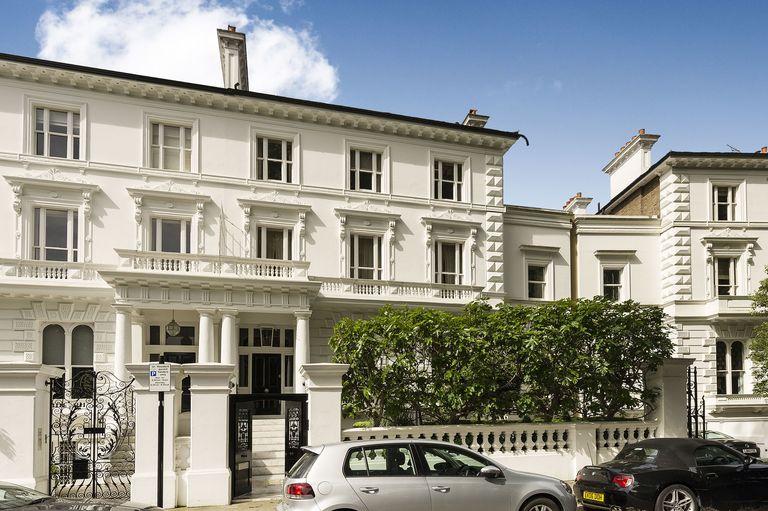 massive victorian villa in chelsea goes on sale for 49 5 million. Black Bedroom Furniture Sets. Home Design Ideas