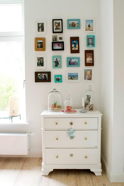 """<p>'The first thing I notice is if there are framed pictures on shelves, photos on the walls and easily-seen shelves of photo albums,'says <a href=""""https://www.cherishyourphotosmi.com/"""" target=""""_blank"""" data-tracking-id=""""recirc-text-link"""">Cheri Warnock</a>, a professional photo organiser. 'If there are, I know this is a person who will value the benefit I bring to organising photo collections.'</p><p><strong data-redactor-tag=""""strong"""" data-verified=""""redactor"""">MORE:</strong><span><strong data-redactor-tag=""""strong"""" data-verified=""""redactor""""><a href=""""http://www.housebeautiful.co.uk/decorate/walls/news/a64/10-fabulous-feature-wall-ideas/"""" data-tracking-id=""""recirc-text-link"""">10 fabulous feature wall ideas</a></strong></span></p>"""