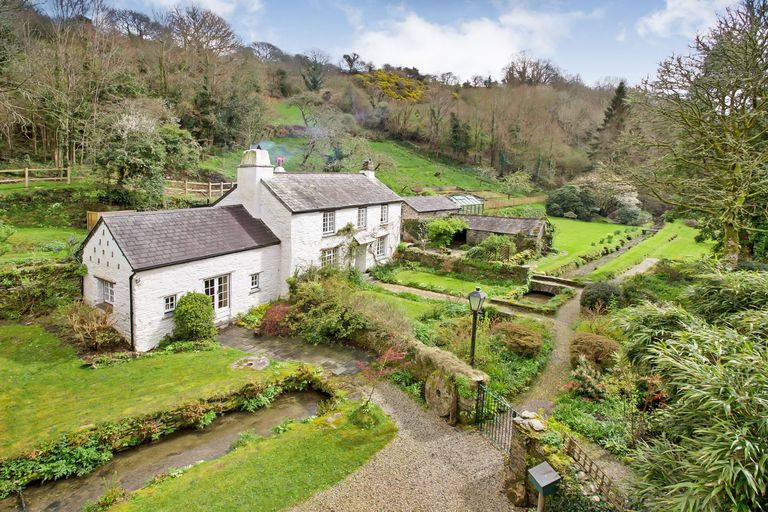 Stunning Cottage In Cornwall With A Converted Watermill