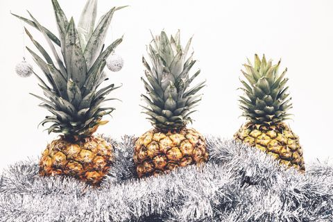 Christmas Pineapple.Pineapple Christmas Trees Is This Year S Quirkiest Christmas