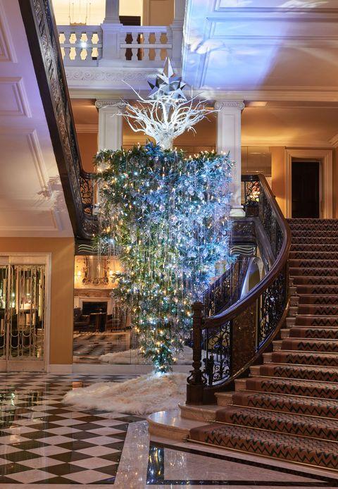 Claridge S Hotel Christmas Tree Designed By Karl Lagerfeld