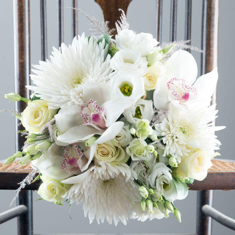 Best Christmas Flowers - Best Bouquet Flower Arrangements For UK ...