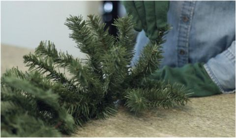 balsam hill fluffing - How To Decorate A Christmas Tree Like A Professional