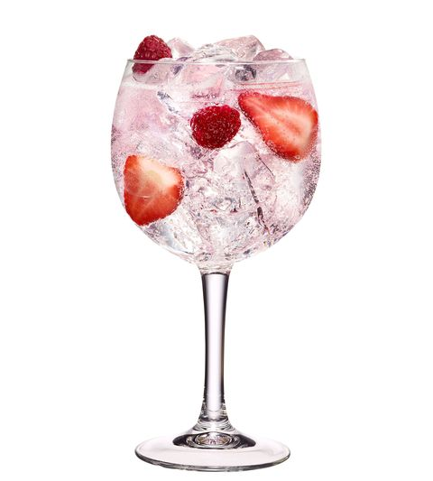 "<p>Earlier this year, the world rejoiced when <a href=""http://www.housebeautiful.co.uk/lifestyle/shopping/a2070/gordons-pink-gin/"" data-href=""http://www.cosmopolitan.com/uk/worklife/a10362959/gordons-pink-gin/"" target=""_blank"" data-tracking-id=""recirc-text-link"">Gordon's released PINK gin.</a> Combine it with Prosecco for the ultimate sassy festive cocktail.</p><p>Pour 50ml Gordon's Pink into a large wine glass filled with ice. Add 50 ml of lemonade and 25 ml Prosecco. </p><p><em data-redactor-tag=""em"">(Via <a href=""https://www.gordonsgin.com/en-row/home/"" data-href=""https://www.gordonsgin.com/en-row/home/"" target=""_blank"">Gordons</a>)</em></p>"
