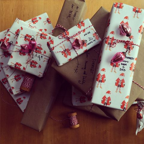 8 beautiful and creative ways to wrap your christmas presents gift gift wrapped presents with baubles negle Images