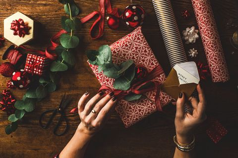 10 Of The Most Difficult Gifts To Wrap - Christmas Presents