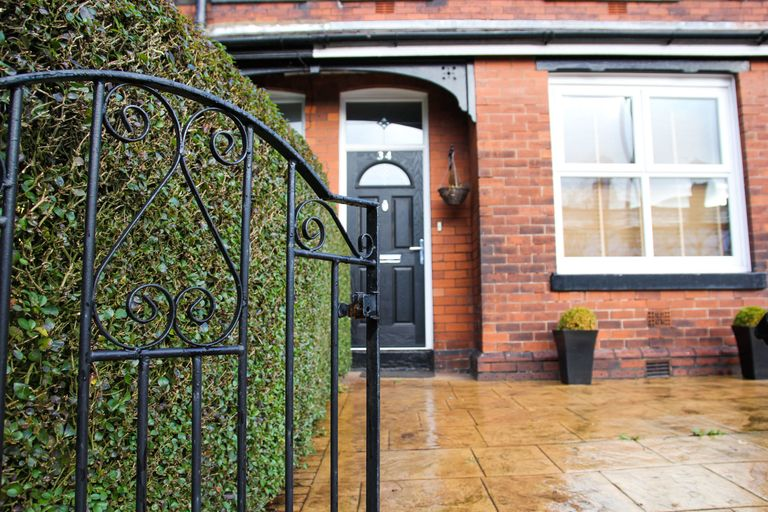Whats making the exterior of your home look old fashioned and how exterior victorian terraced house with metal front gate eventshaper
