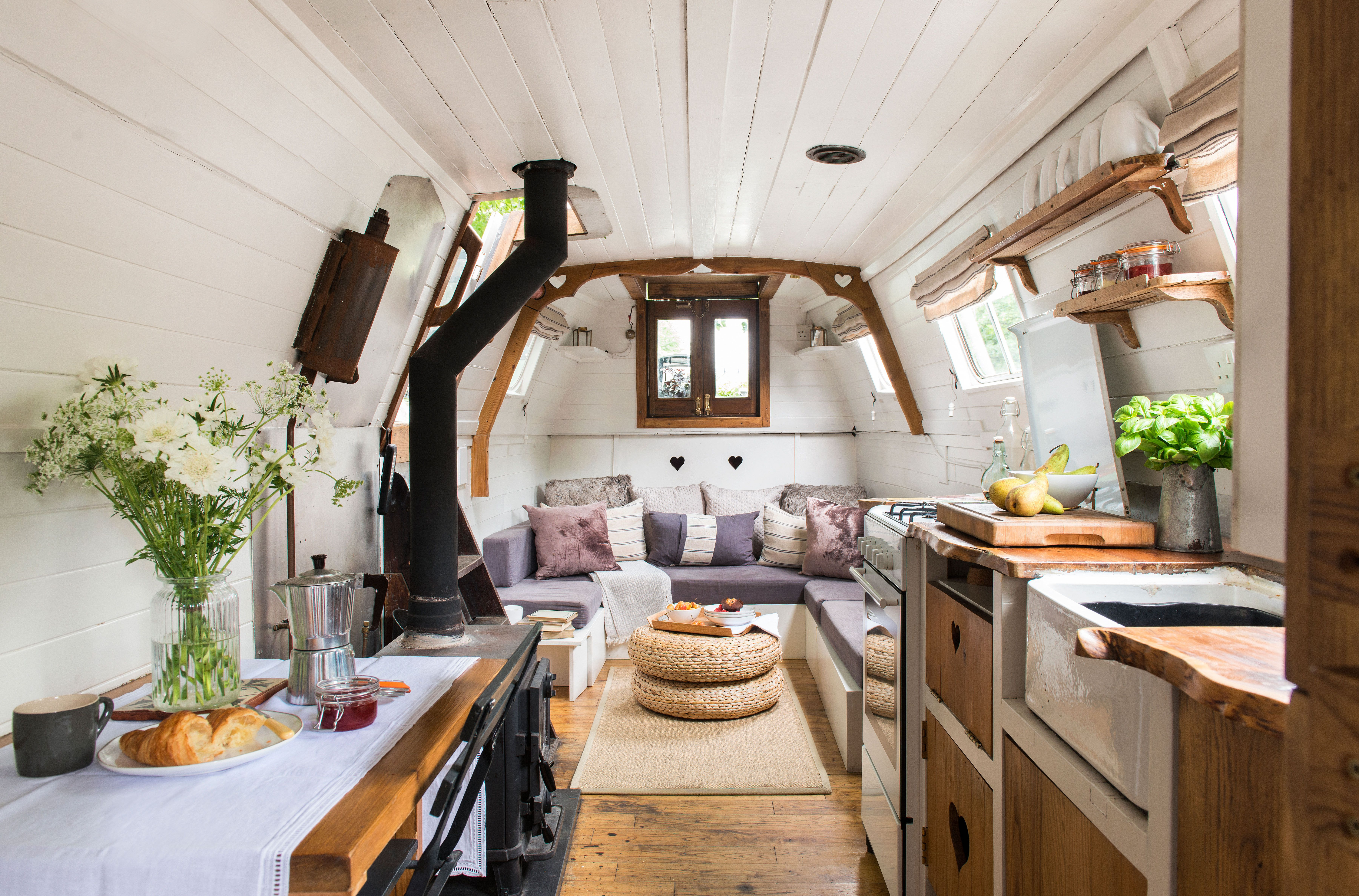 Charming Century Old Narrowboat Makes Stylish Use Of Every Inch Of Space