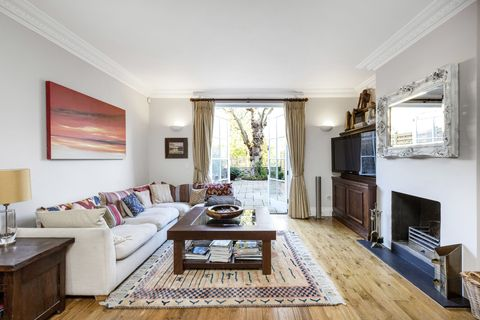 Beautiful Georgian Townhouse For Sale Sits At Finish Line Of Oxford