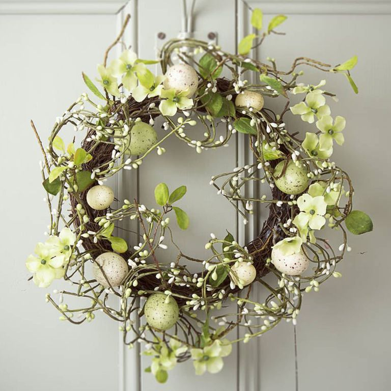 Easter decorations best easter wreaths to buy now for Best place to buy wreaths